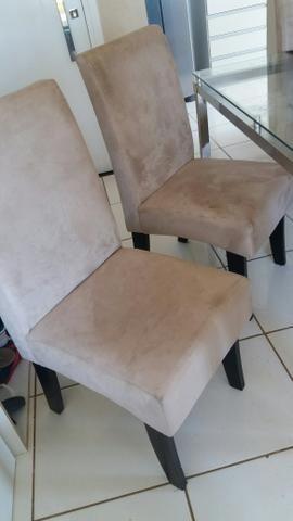 Lindas cadeiras nude