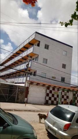 Kitnet's em pau amarelo ótima localização - Foto 2