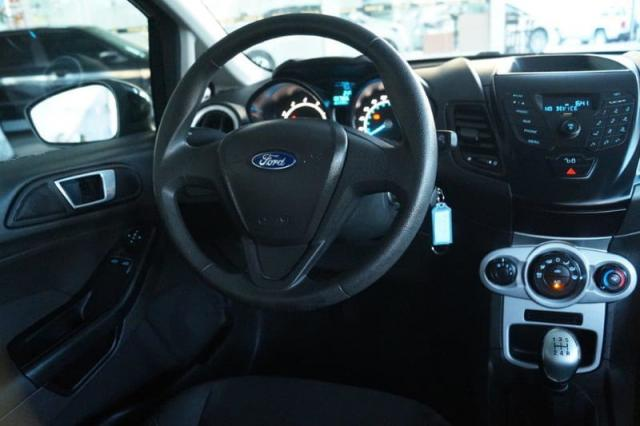 Fiesta 1.5 SE todo revisado pneus novos 2015 - Foto 10