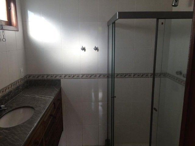 Casa com 5 quartos sendo 4 suítes em condomínio no Alto - Foto 14