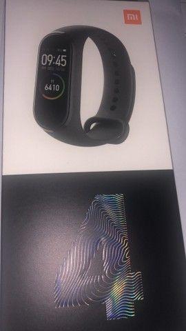 Xiaomi band 4