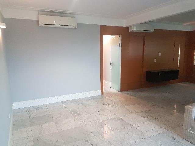 Apartamento Alto Padrão Semi Mobiliado para Aluguel - 2 suítes