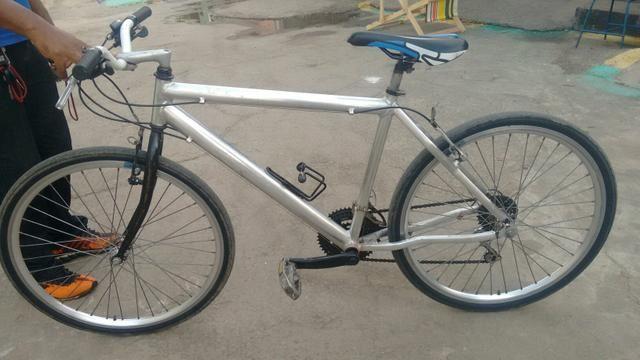 Bicicleta toda de aluminio