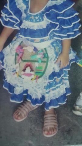 Desapego, vestido quadrilha menina de 4 a 6 anos