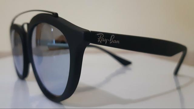 Imperdível  Óculos de Sol Ray-Ban New Gatsby Preto Lente Cinza Espelhada 4529e14556