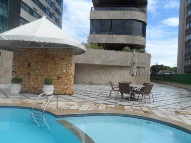 Apartamento com 4 Quartos na Beira Mar de Piedade Lazer Completo