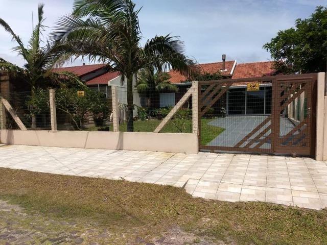 Bela casa em Nova Tramandai 4 quadras da praia (200 metros da beira mar)