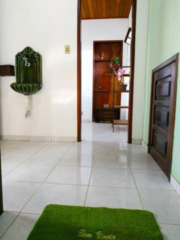 Aconchegante apartamento de dois quartos, amplo e muito bem localizado - Foto 4
