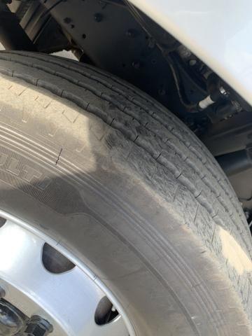 Ford CARGO 2428 - Ano: 2012 - Baú - Foto 4