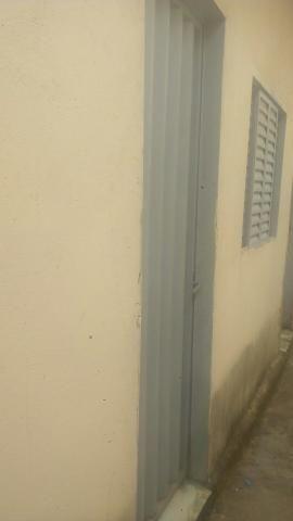 Aluguel de Barracão 3 cômodos, incluso água energia no valor do aluguel, para uma pessoa - Foto 3