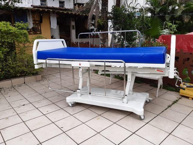 Cama hospitalar 3 manivelas,s luxo com elevação de altura - Foto 2