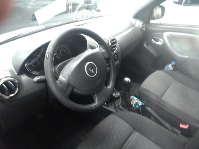 Renault Logan 1.6 8v completo 2011 - Foto 8