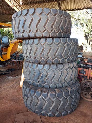 Pneus novos pá carregadeira caterpillar 966c l3