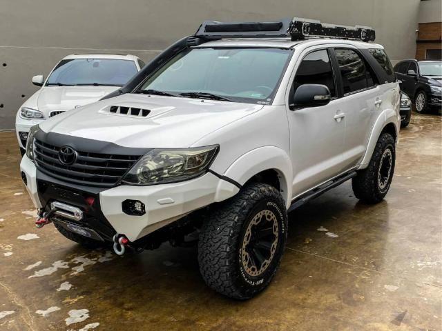 Toyota Hilux SW4 SW4 3.0 SRV 4X4 CD 7 LUGARES 16V TURBO INTERCOOLER 4P AUTOMÁTICO - Foto 3