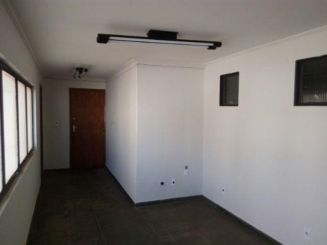 Maior sala do condominio no centro da cidade - Foto 2