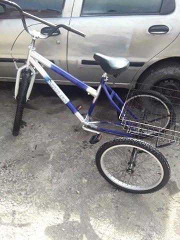 Bicicleta triciclo valor 800 fone *