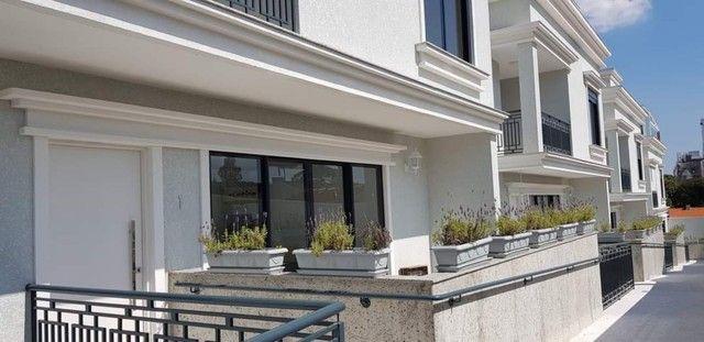 Oportunidade Lindo Sobrado  em condomínio com 3 dormitórios -  188m2 privativos + terraço