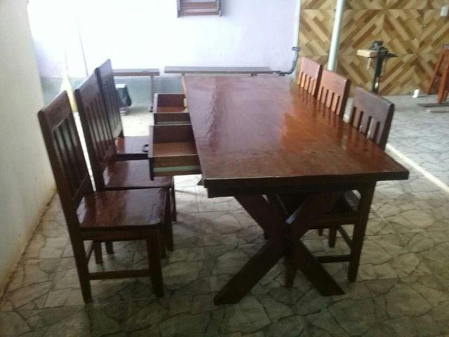 Mesa 0,87 X 1,94 com 6 cadeiras e 2 duas gavetas.  - Foto 3