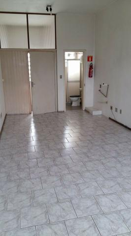 Aluga-se sala no centro de Santa Cruz do SUl