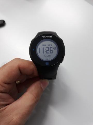 Relógio GPS Garmin Forerunner 610 usado
