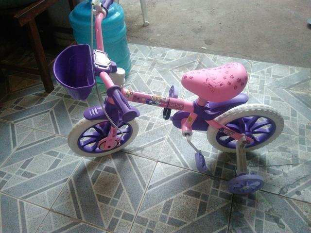 Vendo uma bicicleta nova minha filha não usou