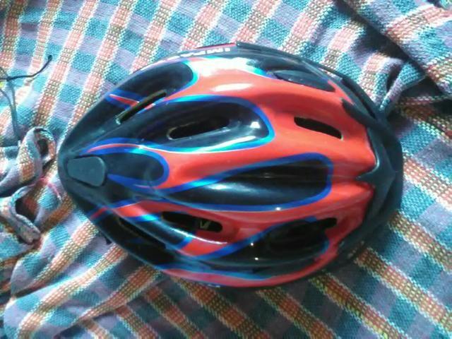 Vendo esse capacete para ciclistas