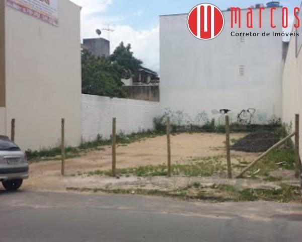 Terreno em excelente localização no Centro de Guarapari com 300 m².