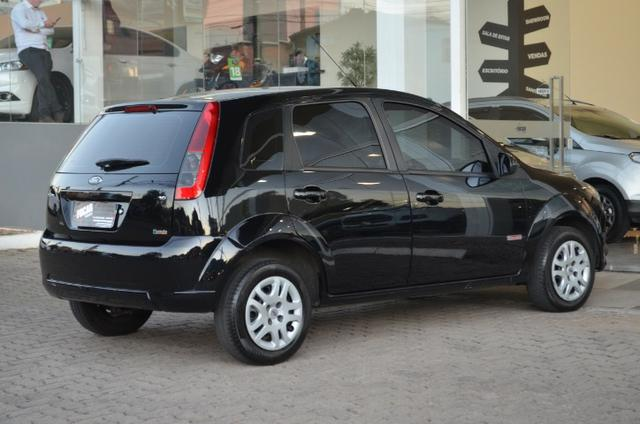 Fiesta hatch 1.6 class flex 4p manual *segundo dono*completo - Foto 8