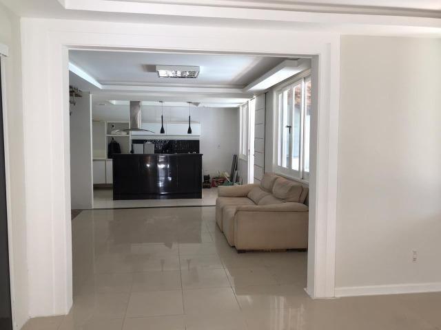 Casa em Piatã com 5/4 e 350m² no Cond. Do Forte - Foto 9