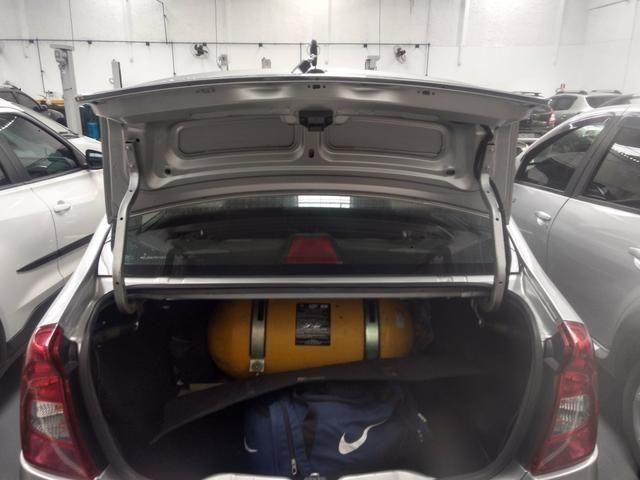 Renault Logan 1.6 8v completo 2011 - Foto 3