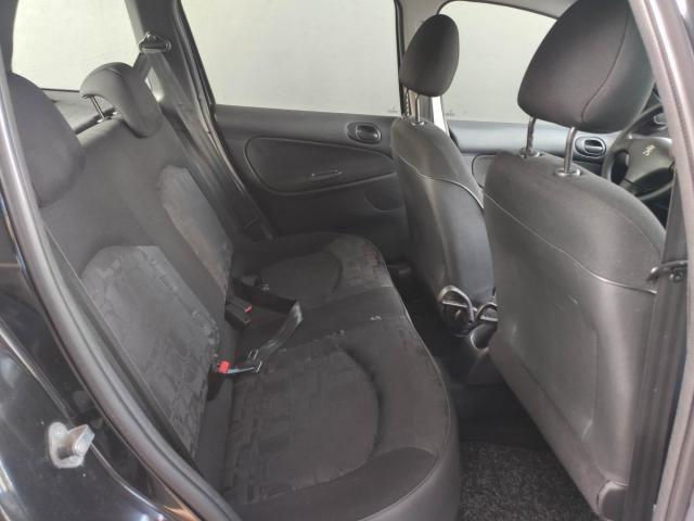 Peugeot  207 XR 1.4 8V Flex 82CV 4x2 4P - Foto 9