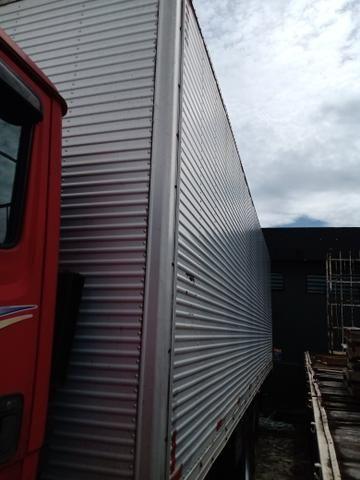 Baú de truck 8 metros