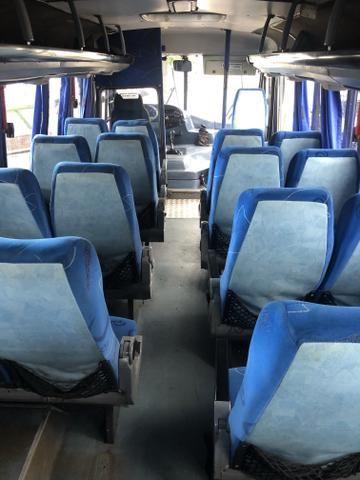 Microônibus ano 2004 - Foto 12