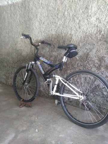 Bicicleta com suspensão no quadro - Foto 2