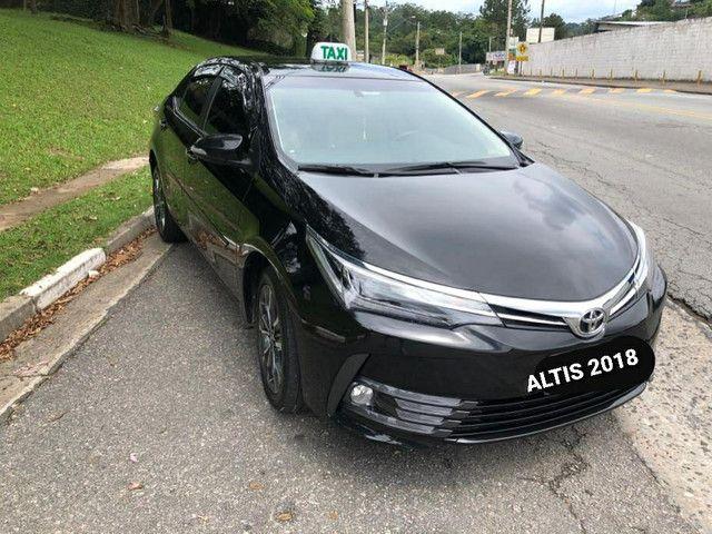 Corolla ALTIS 2018 (taxi completo) isento de IPVA - Foto 2