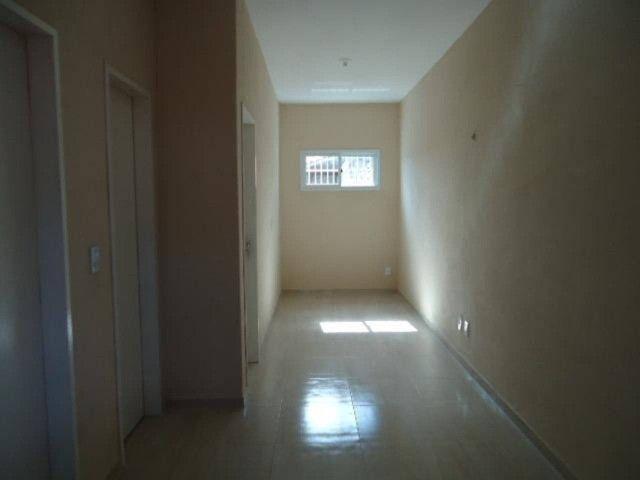 Apartamento com 02 (dois) dormitórios para alugar, 50 m² por R$ 650/mês . - Foto 2