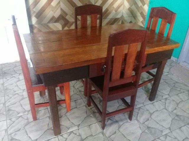Mesa 0,82 X 1,48 com 4 cadeiras e gaveta  - Foto 4