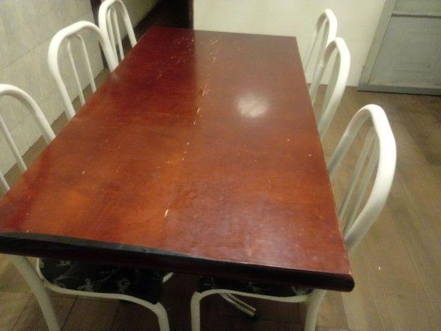 Mesa de compensado com 6 cadeiras apenas 300 reais