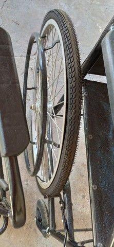 Cadeira de rodas e de banho