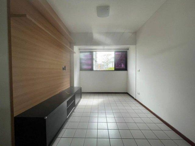 Apartamento para venda possui 65 metros quadrados com 2 quartos em Ponta Verde - Maceió -