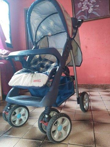 vendo carrinho de bebê bem conservado - Foto 2
