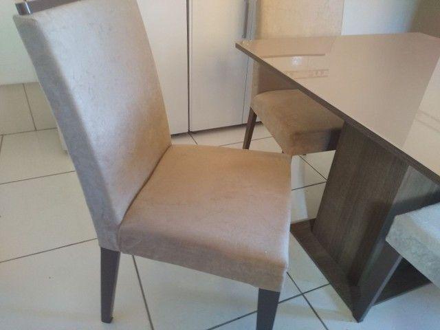 Mesa com quatro cadeiras - Foto 2