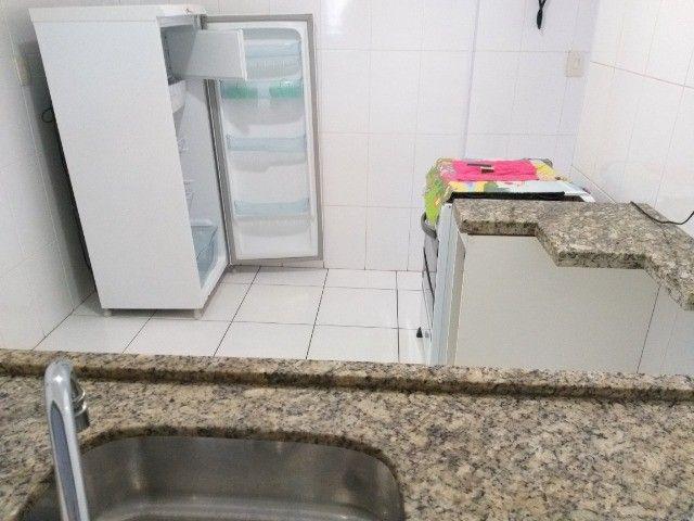 Centro: Apto 2 qts(1suíte), sala ampla, cozinha grande, 1 vaga. todo mobiliado! - Foto 14