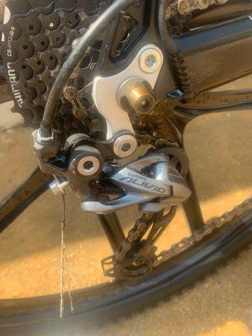 Bicicleta aro 29 grupo shimano - Foto 6