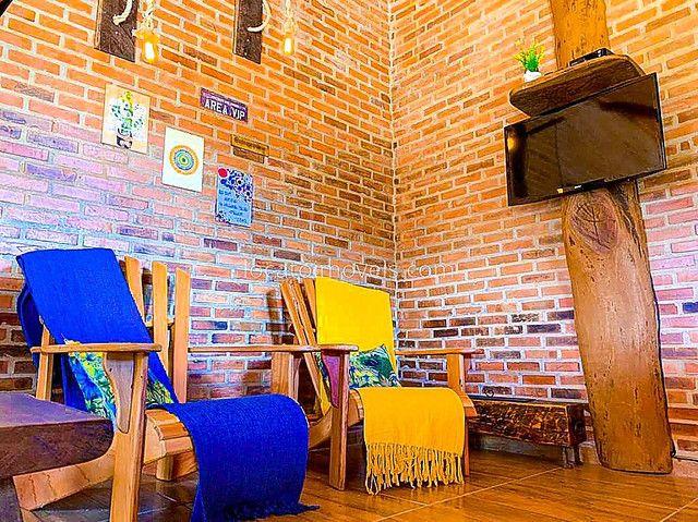 Casa com 2 quartos com 1 Suite - Cozinha Americana - 2 Vagas de garagem - Deck com Churras - Foto 2