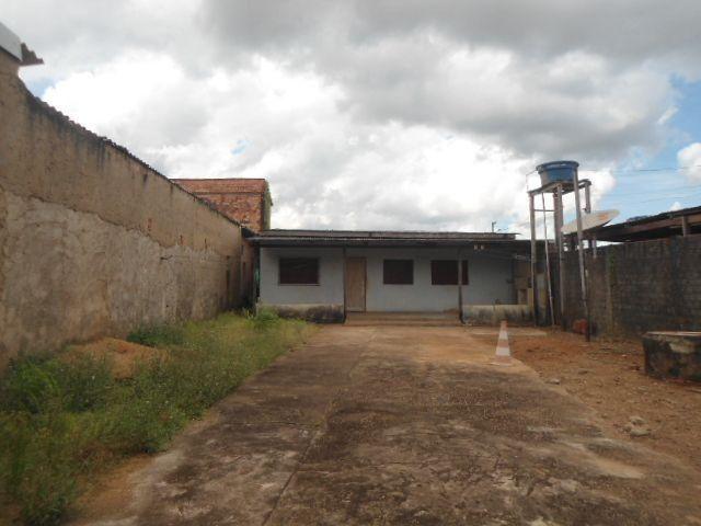 Residência no Bairro Cohab com 4 quartos -120.000,00