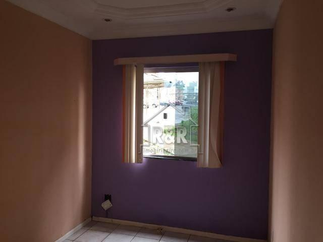 Vende-se um excelente apartamento reformado no Residencial Rio Bonito.