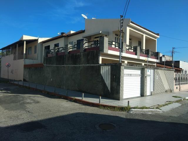 Alugo casa de alto padrão