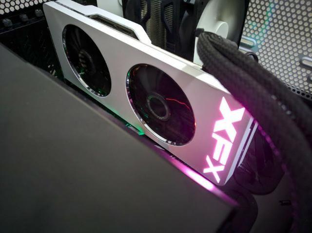 XFX Radeon R9 290X 4GB cor branca