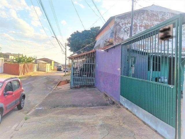 Casa 2 quartos nos fundos, mas kit na lateral, quadra 605 - Foto 4